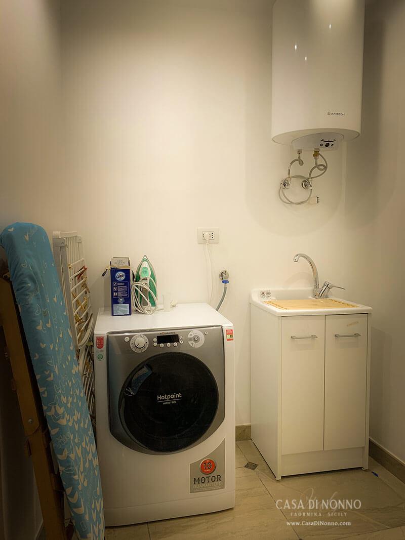 Casa di Nonno - Laundry Room