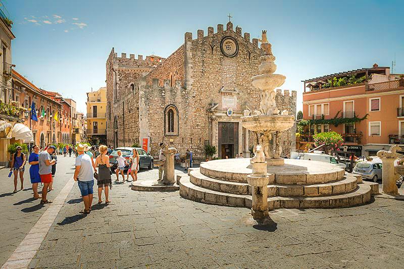 Piazza Dell Duomo, Taormina, Sicily